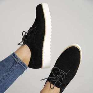 Shoes - Black sneakers